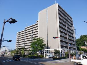 金沢市春日町 中古マンション ロイヤルシャトー夢香山の外観写真