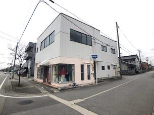 富山市五番町 店舗付中古一戸建ての外観写真
